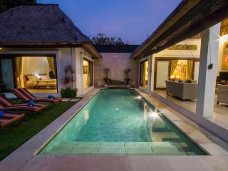 Villa Kamboja Senior , 3 bdr. POOL FENCE YES OR NO - Legian vacation rentals