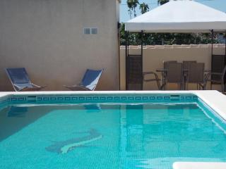 Luxury villa w/private pool, WiFi,  A/c ,BBQ - Chiclana de la Frontera vacation rentals