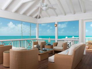 Escape to Your Own Bit of Oceanfront Paradise! - Providenciales vacation rentals