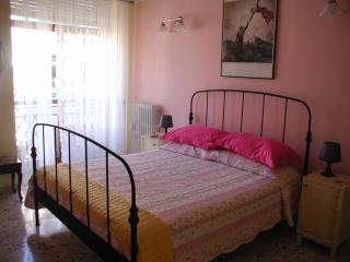 Nice 1 bedroom House in Rome with Internet Access - Rome vacation rentals