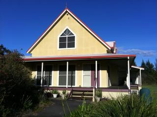 Artist Cottage : 3 Bedroom Spacious Cosy Relaxing - Lovedale vacation rentals