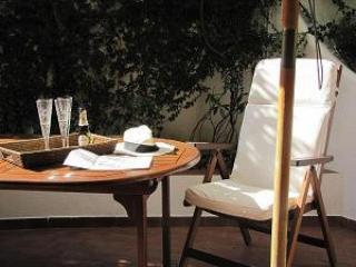 ...ALFRESCO....italian style home for 4 - Image 1 - Rome - rentals