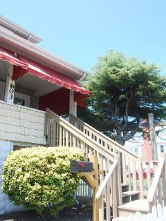 Bright 3 bedroom Ocean City Apartment with Deck - Ocean City vacation rentals
