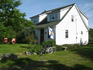 Bright 3 bedroom Nova Scotia House with Deck - Nova Scotia vacation rentals