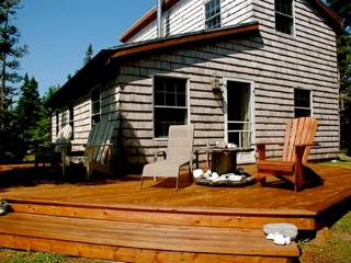 Cozy 3 bedroom House in Lockeport with Deck - Lockeport vacation rentals