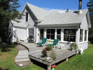 Charming 3 bedroom House in Nova Scotia with Deck - Nova Scotia vacation rentals