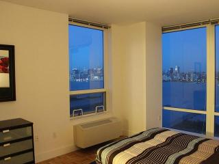 2 Bedroom Suite Facing New York City!! - Jersey City vacation rentals