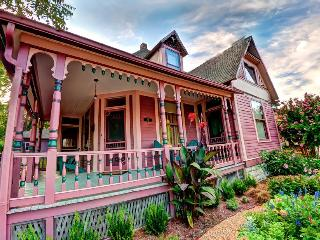 10 White Street-Victorian house-Eureka Springs, AR - Eureka Springs vacation rentals