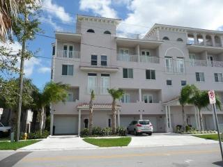Beautiful  Clearwater  Beach  Townhouse  For  Rent - Clearwater vacation rentals