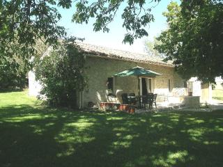 2 Bedroom Cottage in Dordogne - Lot et Garonne - Fongrave vacation rentals