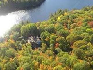 The Sundog Retreat from overhead-surrounded by the beauty of nature. . . Life is better at the lake! - The SunDog Retreat - Parry Sound - rentals