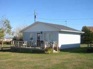 Deluxe Two Bedroom Cottage - Cavendish Bosom Buddies Two Bedroom Deluxe Cottage - Cavendish - rentals