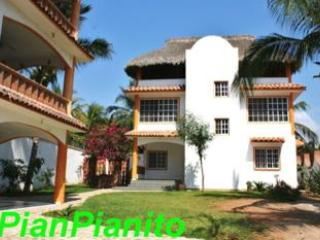 House @ Puerto Escondido Beach La Punta Zicatela - Puerto Escondido vacation rentals