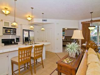 Beautiful ground floor 2 bedroom / 2 bath unit - Princeville vacation rentals