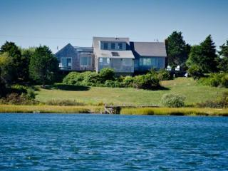 HILL HOUSE ON STONEWALL POND - CHIL RALD-140 - Chilmark vacation rentals