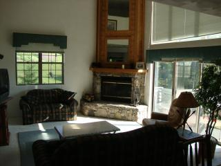COZY SEVEN SPRINGS TOWNHOUSE AT WOODRIDGE - Seven Springs vacation rentals