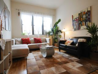Midtown Palace Apartment in Manhattan - New York City vacation rentals