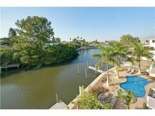 Waterfront Home in the Heart of Anna Maria. - Anna Maria vacation rentals