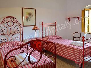 Villa Diora D - Gaiole in Chianti vacation rentals
