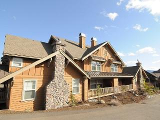 Affordable 2 Bedroom Townhome in Roslyn Ridge w/ Pool Access, Free Nights! - Cle Elum vacation rentals