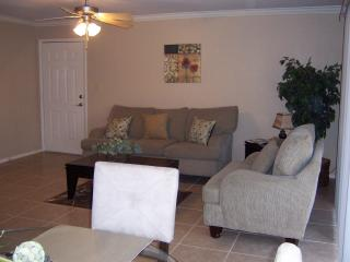 Sunny 2 bedroom Vacation Rental in Scottsdale - Scottsdale vacation rentals