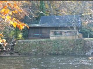 RIVERFRONT! HOT TUB!  Log cabin.Private.Fully staffed.Pet friendly.TOP RATED ! - Elkins vacation rentals