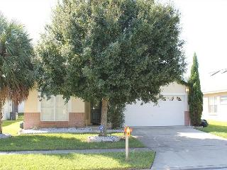 Great villa with heated pool & Hot Tub in Indian Creek, 3 miles from Disney - Kissimmee vacation rentals