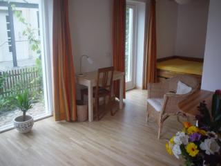 Vacation Apartment in Kiel - 248 sqft, central, comfortable, ecological (# 2295) - Schleswig-Holstein vacation rentals