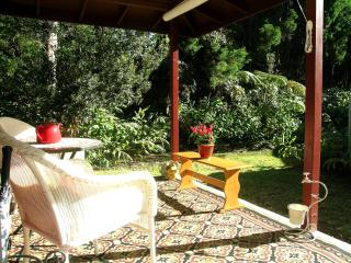 "Volcano Cottage - ""WOW, what a find!"" - Volcano vacation rentals"