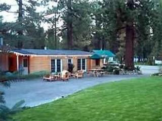 Manzanita Lodge: Meeting/activities Dining Group Kitchen double all appliances 8' screen hi def tv - S Lake Tahoe sleeps 60 in Group Lodge + 13 BR/BA - South Lake Tahoe - rentals