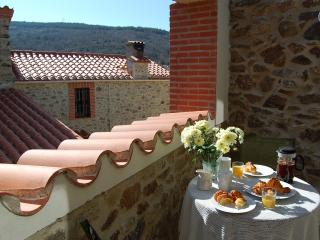 Le Juchoir, self-catering townhouse near Perpignan - Cassagnes vacation rentals