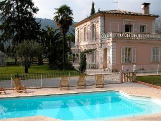 La Tour Manda Bed and Breakfast - Nice vacation rentals