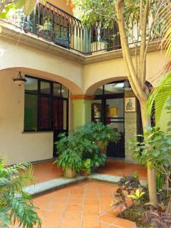 CASA LIBRES, Apartment in Colonial Centro Home - Oaxaca vacation rentals