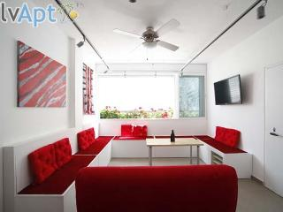 Shenkin Penthouse with Private Roof- IsraelApt- 12 - Tel Aviv vacation rentals