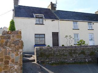 Pet Friendly Holiday Cottage - 2 Strand Cottage, Laugharne - Carmarthenshire vacation rentals