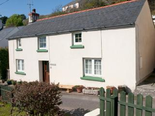 Pet Friendly Holiday Cottage - Ivy Cottage, Little Haven - Little Haven vacation rentals