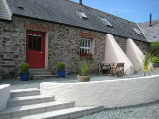 Pet Friendly Holiday Cottage - Ruffin Cottage, Talbenny Hall, Nr Little Haven - Little Haven vacation rentals