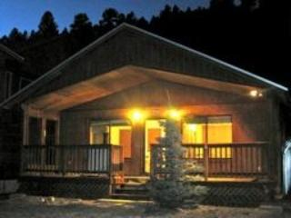 Fish out the door Adorable Cabin on Red River. - Red River vacation rentals