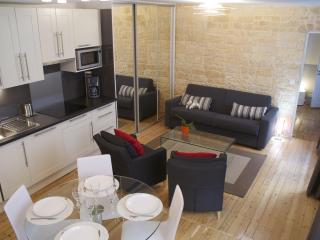 Central Apartment that Sleeps 5 in Montorgueil - Paris vacation rentals
