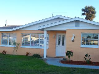 Pelican Place, 2 bedroom Beach House - Florida Central Atlantic Coast vacation rentals