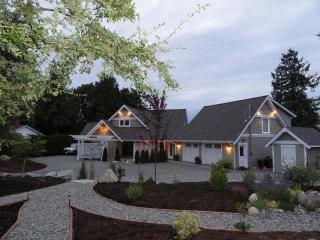 Oceanfront/ Fabulous Views/Sunrise/ Eagles - Parksville vacation rentals
