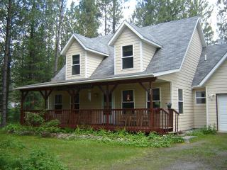 Comfortable House with Internet Access and Cleaning Service - Hungry Horse vacation rentals