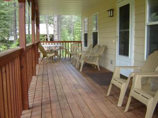 Comfortable House with Internet Access and Dishwasher - Hungry Horse vacation rentals