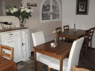 Le Cerisier, Charming Bed & Breakfast - St Genies de Fontedit vacation rentals