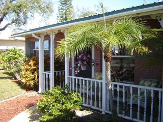 The Palms - 3 Bed/2.5 Bath, Pool,Hot Tub, Game Rm - Bradenton vacation rentals