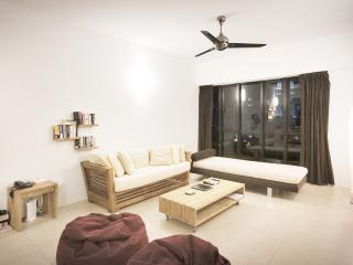 Relaxing 4-bedroom apartment in heart of KL - Kuala Lumpur vacation rentals