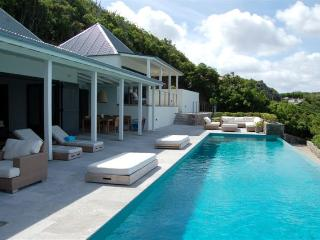 Ella - BBS - Saint Jean vacation rentals