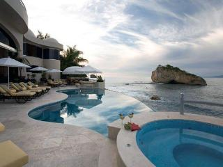 Spacious Villa with Internet Access and Television - Mismaloya vacation rentals