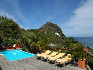 Cozy 3 bedroom Villa in Anse Des Cayes - Anse Des Cayes vacation rentals