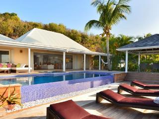 Nice Villa with Internet Access and Dishwasher - Petit Cul De Sac Beach vacation rentals